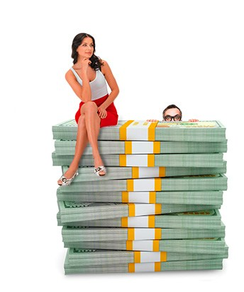 Woman sitting on a pile of cash from 25% Cashback promotion